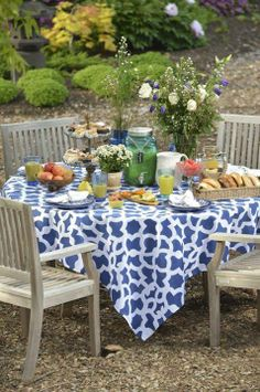 Gorgeous stenciled that eye-catching tablecloth using  Zamira stenci. See how: http://ow.ly/xllL4