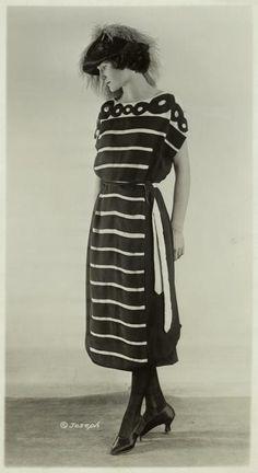 Womens fashion, 1921