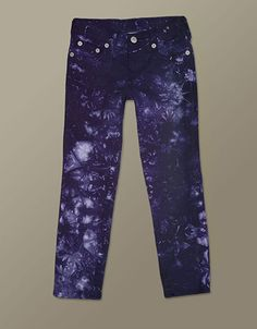 Spring is here and lucky for her, an amazing array of printed denim for girls. The Casey is a stylish slim fit in an on-trend tie dye treatment...
