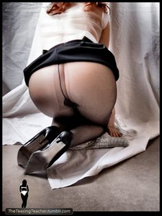 theteasingteacher:    Pantyhose Series. ©TheTeasingTeacher  I like the shoes;)