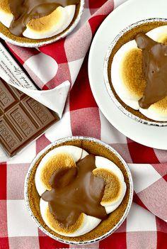 Mini Smore Pies | iowagirleats.com