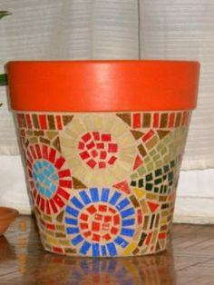maceta decorada con venecitas maceta maseta de terracota,teselas vitreas,pintura acrilica mosaiquismo,mosaico veneciano
