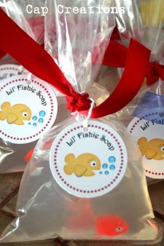 Love this idea! Great prize gifts for kiddos. Mom/Dad don't have to deal with bringing home a new pet, and kid gets to have fun in the bath. Maybe it'll make em' want to suds up even more to melt the soap and get to the fish quicker? Clean kid=Happy Mom :)