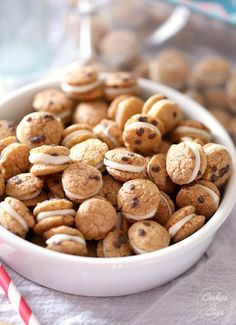 Cookies and Milk Snack Mix ~ A simple Snack Mix made with Cookie Crisp Cereal sandwiched together with white chocolate! Poppable, cute and s...