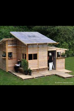 Pallet cubby? Pallet chook shed? Pallet shed?