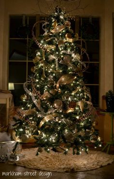 Rustic Christmas Decorating Ideas. gold and burlap.