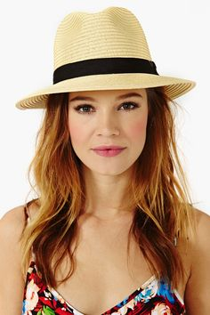 love this hat.. may need to find a tan one for this summer..