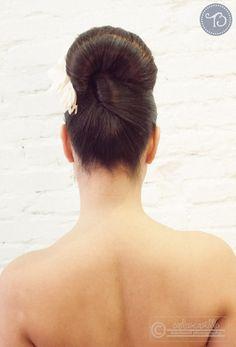 Propuesta de peinado para novias de OP/ZON peluquería    {foto, Carlos Castillo para Tendencias de Bodas Magazine}