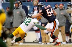 Brian Urlacher - Green Bay Packers v Chicago Bears
