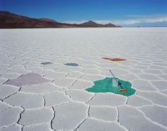 Scarlett Hooft Graaflan / panoramas taken in Salar de Uyuni, the largest salt flat in the world.