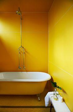Lemon... LOVE this bathtub!