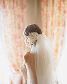 beautiful long wedding #veil with flower