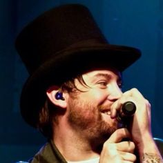 David Cook in the top hat! Cute!