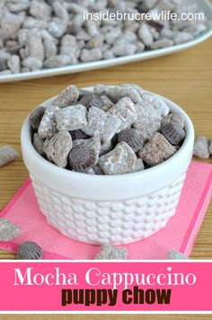 Mocha Cappuccino Puppy Chow - rice chex covered in Mocha Cappuccino spread, chocolate chips, and powdered sugar #puppychow #snackmix @brucrewlife