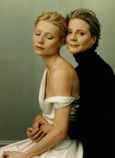 Mother and daughter Gwyneth Paltrow & Blythe Danner - by Annie Leibowitz
