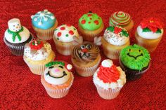 Bring the kiddos in for a Christmas treat at HaliHannigans Cupcakery! Their Christmas Kiddie Kups are adorable,  delicious and can be purchased individually. PRE-ORDER OUR SPECIAL PARTY PACK then they are $17.95/dozen ($1.50 each)! Get all the same design or mix them up!   Visit https://www.facebook.com/HaliHannigansCupcakery to learn more!