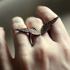 Flye Away Ring