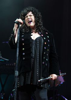 Ann Wilson | Ann Wilson Ann Wilson of the band Heart performs at the Hammerstein ...