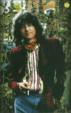 1977, Swan Song's garden. [dnlok]