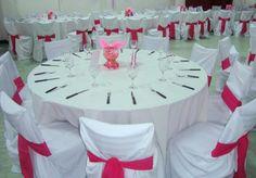 Mesas y sillas 'vestidas' para la fiesta - Tables and chairs 'dressed' for the party