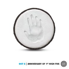 Today, let no high-five go unanswered. http://oreo.ly/DailyTwist #dailytwist