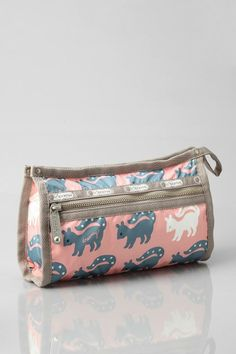LeSportsac Dreamy Mandy Makeup Bag #urbanoutfitters