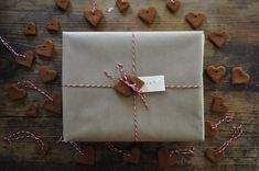 craft, gift wrap, cinnamon heart, heart tie, brown paper packages, cookie gifts, gift tags, cinnamon ornaments, gingerbread heart