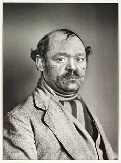 August Sander, 'Turkish Mousetrap Salesman' (1924-30)