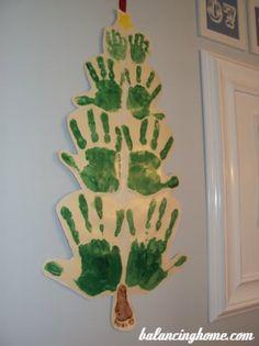 Family Hand Print Christmas Tree.. So cute!
