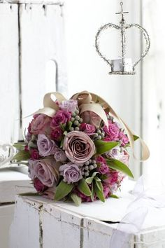 Pomanders are making a return to floral fashion when it comes to weddings. Follow Jane Packer's step-by-step guide to making this gorgeous pomander, perfect for you or your bridesmaids. Click here to read more: http://www.weddingmagazine.co.uk/flowers-article1453.html