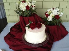 Wedding cake and flowers for an October elopement at Churchill Manor.