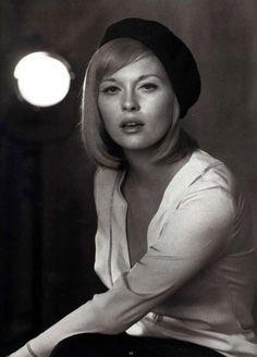 Faye as   Bonnie