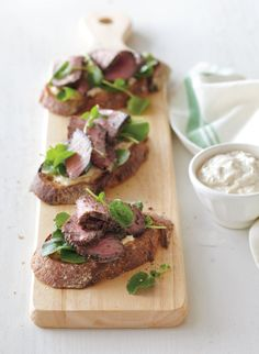 Open-Faced Steak Sandwiches with Shallot-Thyme Aioli