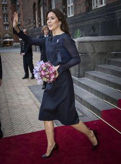 Crown Princess Mary of Denmark reveals 2014 Christmas Seals 10/27/2014