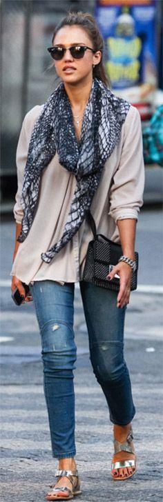 Love her casual style | Jessica Alba