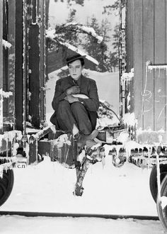 Buster Keaton train freeze