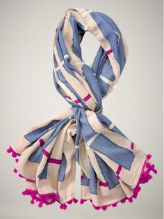 Gap scarf / Perfect for a blanket under your desk or to perk up a plain outfit