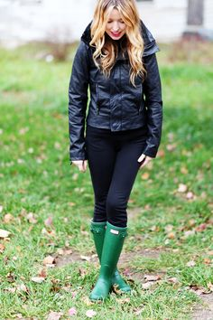 hunter boots are definitely on the top of my -let's buy this soon- LIST