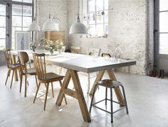 how great is that table!