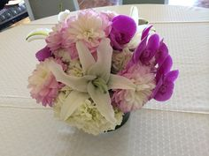 Beachy wedding  #phalanopsisorchids #casablancalilies #bellablooms