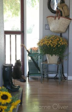 Love all the details in Jeanne Oliver's Finding Fall Home Tour