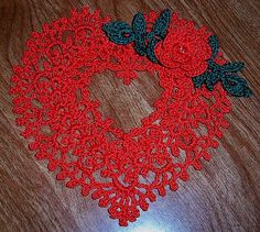 PHOTO ONLY ~ WOULD LOVE THE PATTERN ....... Crocheted thread Heart gift
