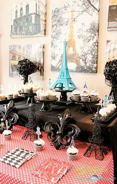 Décor at a Paris Party #paris #partydecor