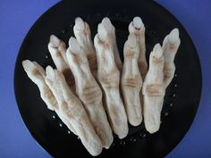 Worth Pinning: Witch Finger Cookies