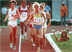 Zola Budd nails Mary Decker - 1984 Olympics