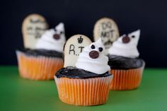Orange Velvet Cupcakes are perfect for Halloween.  So easy to decorate with little ghosts! #Halloween #Cupcakes #Recipes cupcake recipes, halloween baking, birthday cupcakes, halloween cupcakes, halloween foods, halloween treats, ghost, craft ideas, halloween cookies