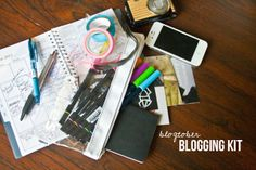 Five Sixteenths Blog: Make it Monday // Make a Blogging Kit for Travel or Moving