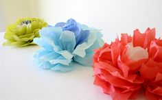 flower poms out of paper napkins