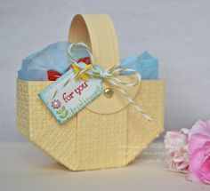 Easy Paper Basket tutorial - love the texture and the score lines on  the handle. The folded circle idea is fantastic!