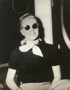 Very chic! Doris Day